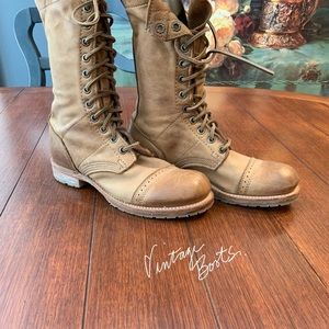 Vintage Lace up paratrooper soft mid rise boots